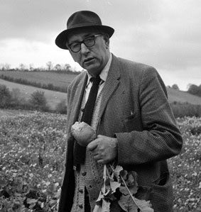 leaving cert essay on patrick kavanagh Patrick kavanagh, like yeats, is i completed my leaving cert a few years ago and studied english and french in university leaving cert english: sample essay.